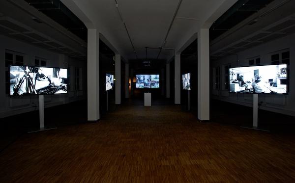 """""""Das Geld und die Griechen""""-Installation auf dem DokFest Kassel 2012, Quelle: thalhofer.com"""